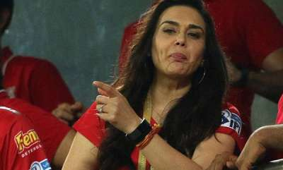 sports-news-did-preity-zinta-say-very-happy-that-mumbai-is-not-going-to-the-playoffs-video-goes-viral-on-social-media