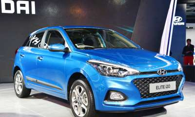 auto-2018-hyundai-elite-i20-automatic-reaches-dealerships-priced-at-rs-704-lakh