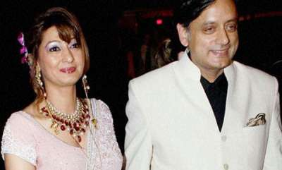 latest-news-all-i-pray-for-is-death-sunanda-pushkar-allegedly-emailed-to-sashi-tharoor