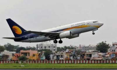latest-news-jet-airways-grounds-4-pilots-for-clicking-midair-selfies-onboard