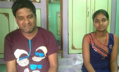 latest-news-monkey-snatches-bag-with-rs-2-lakh