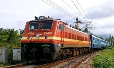 latest-news-train-accident-averted-in-pattampi