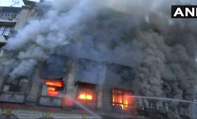 latest-news-massive-fire-breaks-out-at-mumbais-patel-chambers-2-injured-in-partial-collapse