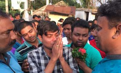 rosy-news-hundreds-in-odisha-town-gather-to-say-goodbye-to-doctor-who-made-health-centre-work