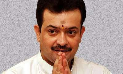 latest-news-bhaiyyuji-maharaj-shoots-himself-to-death-suicide-note-says-he-was-depressed