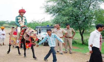 latest-news-gujarat-groom-forced-to-get-down-from-horse-by-upper-caste-community