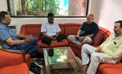 latest-news-eight-days-of-wait-to-meet-honble-lg-could-not-find-eight-minutes-in-eight-days-for-the-people-of-delhi