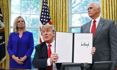 world-trump-signs-executive-order-to-end-separation-of-immigrant-families