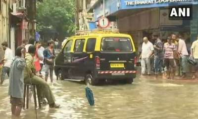 india-heavy-showers-pound-mumbai-thane-3-killed-in-rain-related-incidents