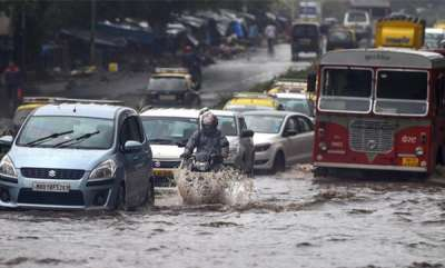latest-news-normal-life-hit-by-heavy-downpour-in-mumbai-and-thane-4-dead