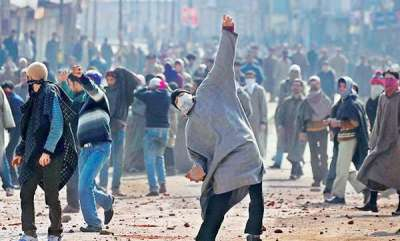 latest-news-woman-commandos-to-counter-woman-stone-pelters-in-kashmir