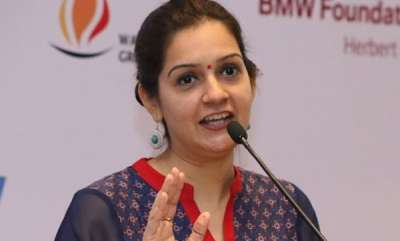 latest-news-priyanka-chaturvedi-files-complaint-after-rape-threat-to-daughter-on-twitter