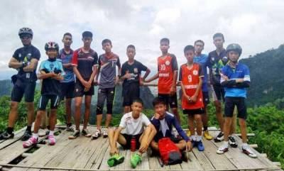 world-thai-coach-apologises-to-parents-as-boys-write-theyre-ok
