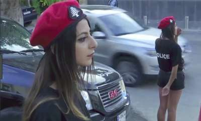 odd-news-lebanon-policewomen-in-black-mini-shorts-and-red-berets-to-attract-tourists