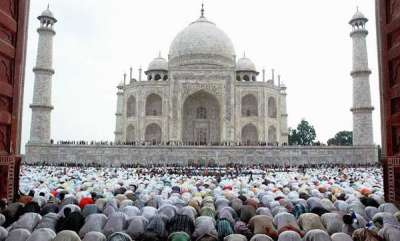 latest-news-taj-mahal-one-of-the-7-wonders-no-namaz-by-outsiders-supreme-court