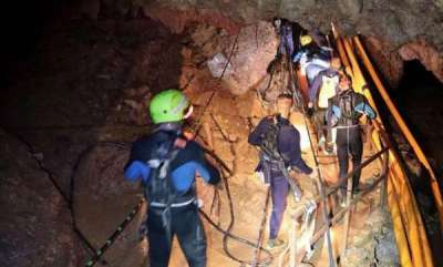 world-10th-boy-rescued-from-thai-cave-police-navy-sources
