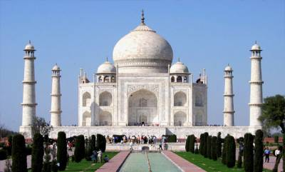india-sc-slams-centre-for-lethargy-in-protecting-taj-mahal