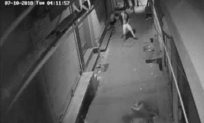 latest-news-thief-caught-on-camera-dancing