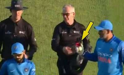 sports-news-coach-ravi-shastri-reveals-why-ms-dhoni-took-the-ball-from-umpire