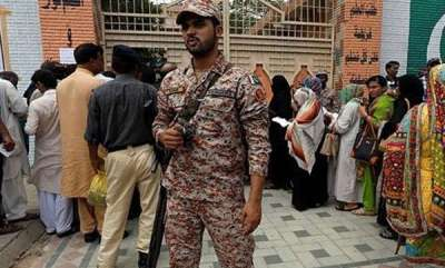 world-pakistan-goes-to-polls-amid-tight-security
