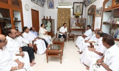 india-tamil-nadu-leaders-and-kamal-haasan-visit-ailing-dmk-chief-karunanidhi