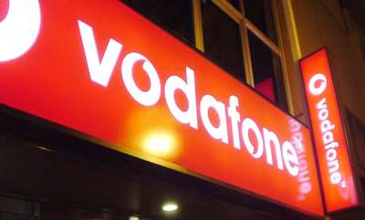 tech-news-jio-effect-vodafone-refreshes-rs-47-prepaid-reacharge-500mb-data-125-minutes-50-sms