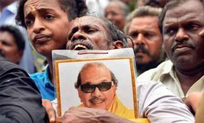latest-news-two-dmk-activist-lose-life