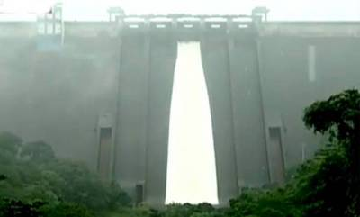 kerala-shutters-of-idukki-dam-opened-after-26-years