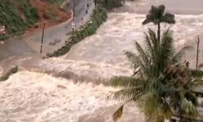 kerala-rajnath-assures-kerala-cm-all-help-to-deal-with-rains-floods