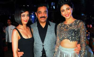 chit-chat-sruthi-hassan-and-akshara-against-kamal