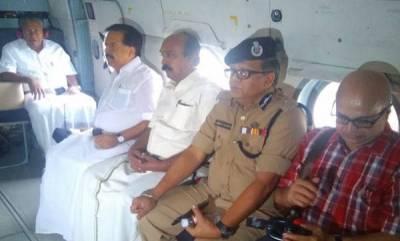 kerala-cm-vijayan-begins-aerial-survey-in-flood-affected-areas-could-not-land-in-idukki
