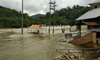 latest-news-sabarimala-in-flood