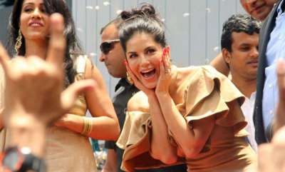 latest-news-sunny-leone-helps-kerala