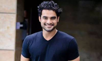 entertainment-100-cows-are-trapped-in-flood-along-with-1-lakh-people-tovino-taunts-center
