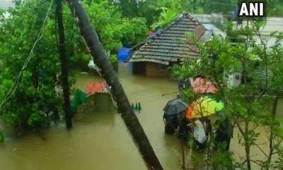 kerala-ncw-asks-state-commissions-to-contribute-for-relief-ops-in-kerala