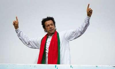 latest-news-pakistan-pm-imran-khan-lifts-censorship-of-state-tv-radio