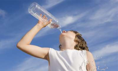 health-news-health-issues-drinking-water-while-standing