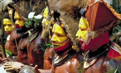 surprise-papua-new-guinea-tribes-extraordinary-traditions
