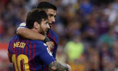 sports-messi-for-a-reason-football-world-praises-lionel-messis-act-towards-suarez