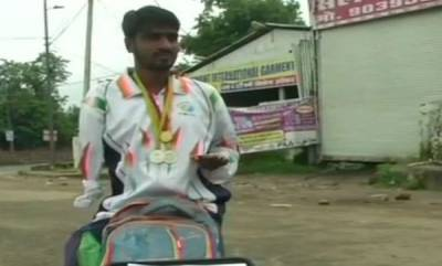 india-promises-and-help-never-came-para-athlete-resorts-to-begging