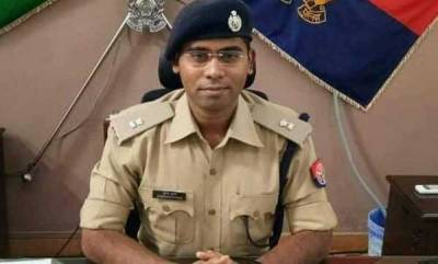 latest-news-uttar-pradesh-ips-officer-consumes-poison-condition-critical
