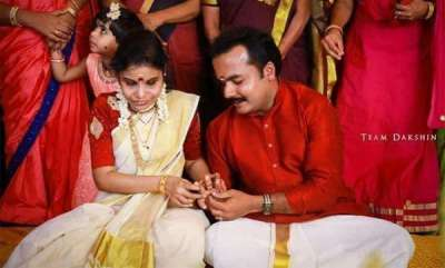 latest-news-vaikom-vijayalakshmi-gets-engaged-to-anoop