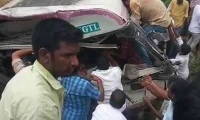 latest-news-bus-accident-kills-15-injured-20