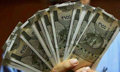 latest-news-rupee-plunges-to-fresh-record-low-of-7292-against-dollar