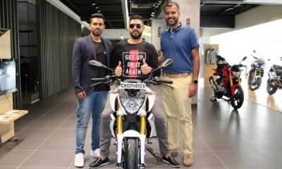 auto-owner-of-ktm-duke-390-yuvraj-singh-adds-bmw-g-310-r-to-his-collection
