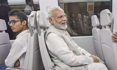 latest-news-congress-tweets-about-pm-modis-metro-ride
