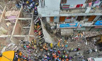 latest-news-woman-4-children-dead-as-3-storey-building-collapses-in-delhi