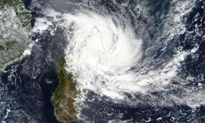 latest-news-cyclonic-storm-titli-heads-towards-odisha-andhra