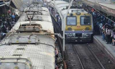 latest-news-mumbai-techie-misses-step-gets-run-over-by-local-train
