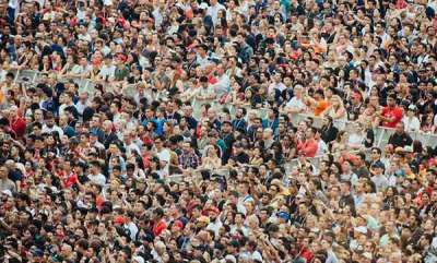 health-news-studies-find-out-that-human-can-recognise-5000-faces